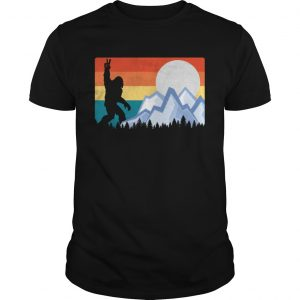 Vintage Bigfoot Sunset Hiking Outdoors Wilderness  Unisex